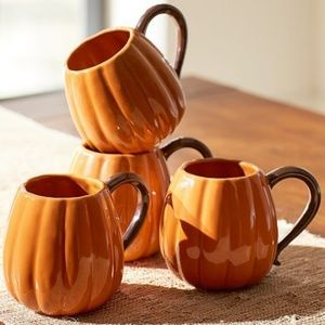 POTTERY BARN PUMPKIN COFFEE CUPS/MUGS - Set of 4